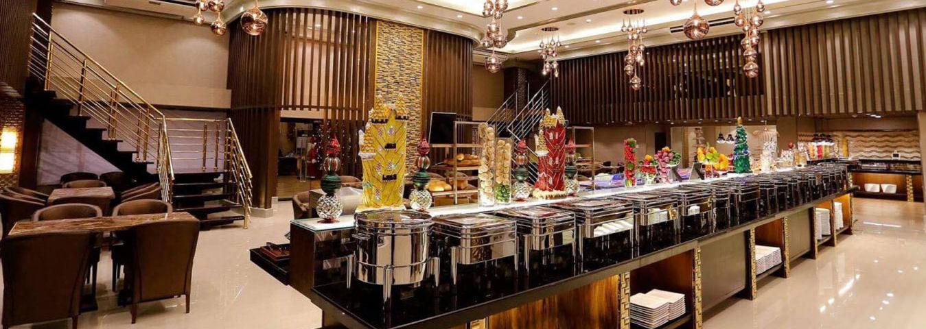 Villa Caceres Hotel - Dining